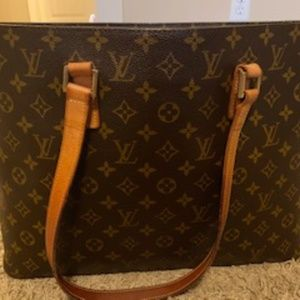 Pre-Loved Authentic Louis Vuitton Luco Tote